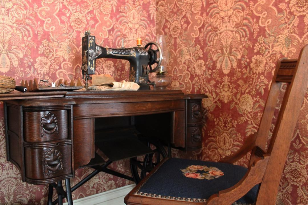 This sewing machine can be found in the Bayless-Selby House Museum. Photo by @chosmuseum.