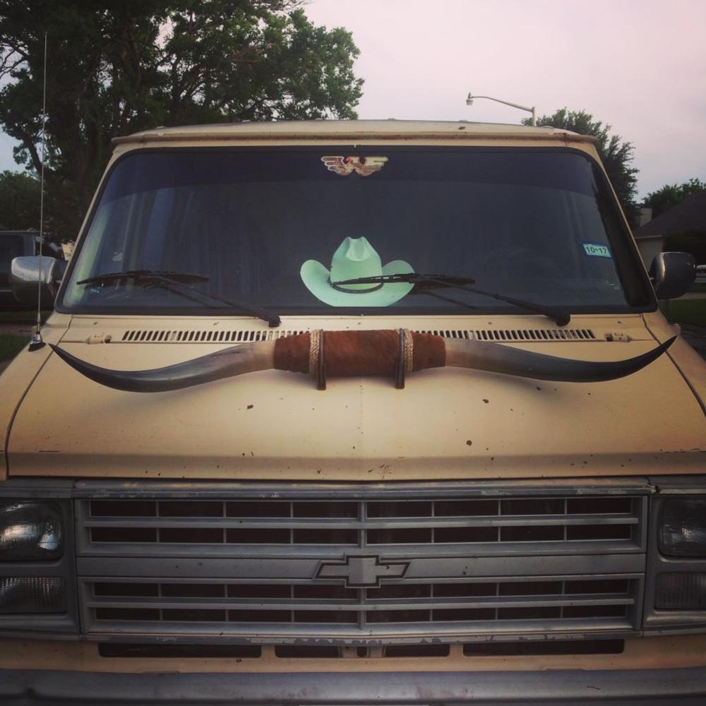 @daderain and a very Texan van.