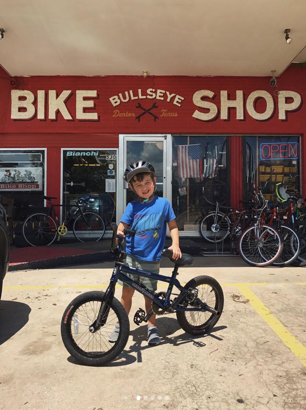 @aaronlancelopez doing some bike shopping at @bullseyebikes.