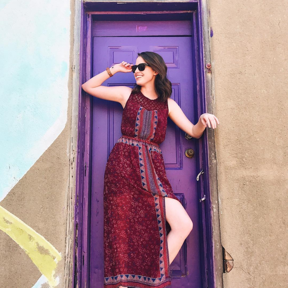 @laina622 found the purple door (you didn't see our list of Denton photo backdrops, OAG?!) before moving away.