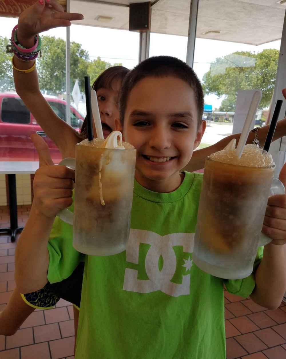 Root beer floats at Mr. Frosty. Photo by @gigi_born.