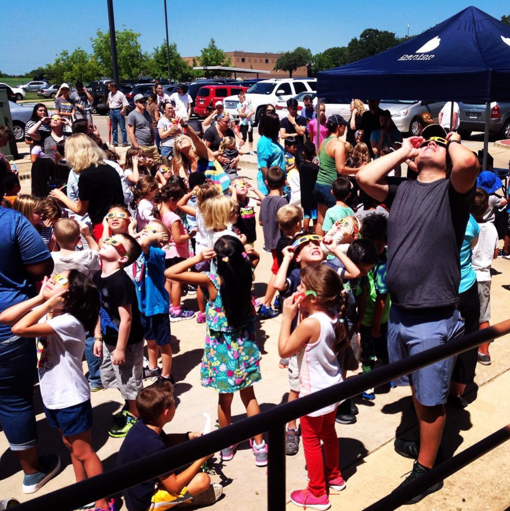 @dentonpubliclibrary held eclipse viewing parties today. South Branch alone passed out over 600 pairs.