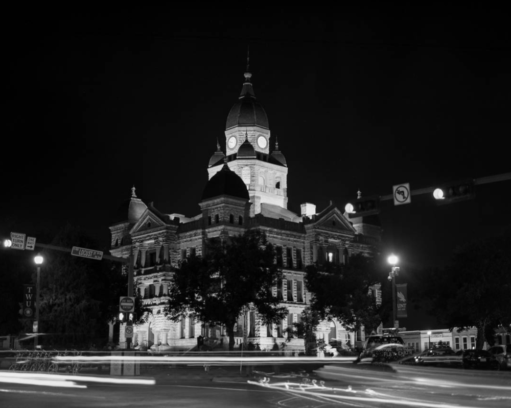 Long exposure photo on the square from @brittlemoon.