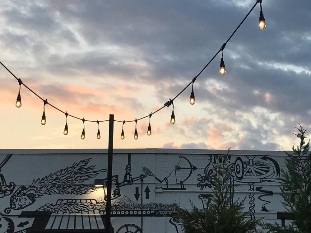Lights at dusk from @thepaigels.