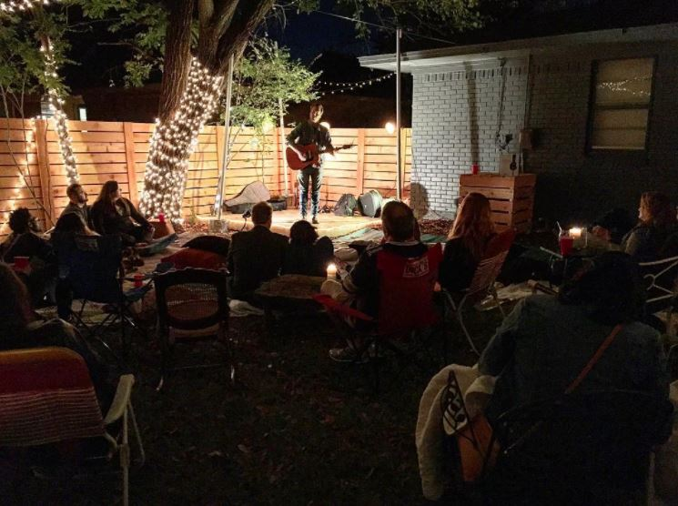 October is probably the best month for outdoor house shows. Photographic evidence by @beardnbeerd.