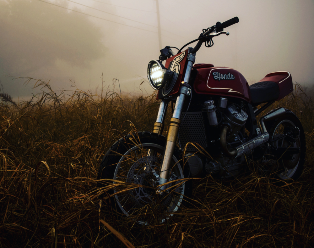 @olcmoto photographed this bike in last Friday's deep fog.