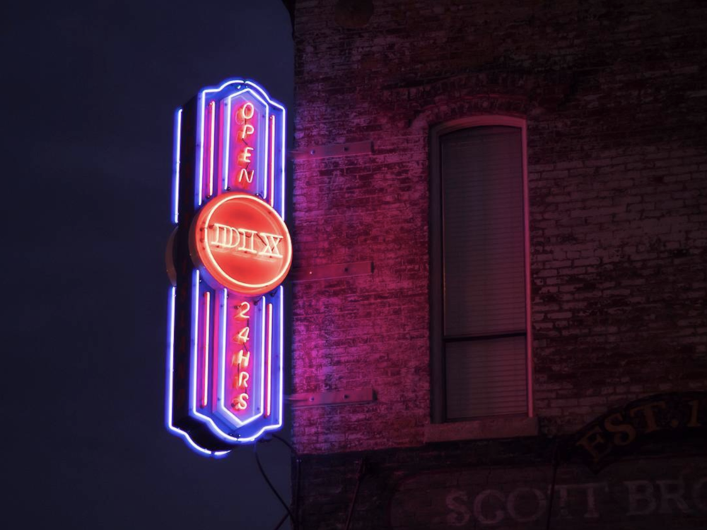 @brittlemoon with some Denton neon.