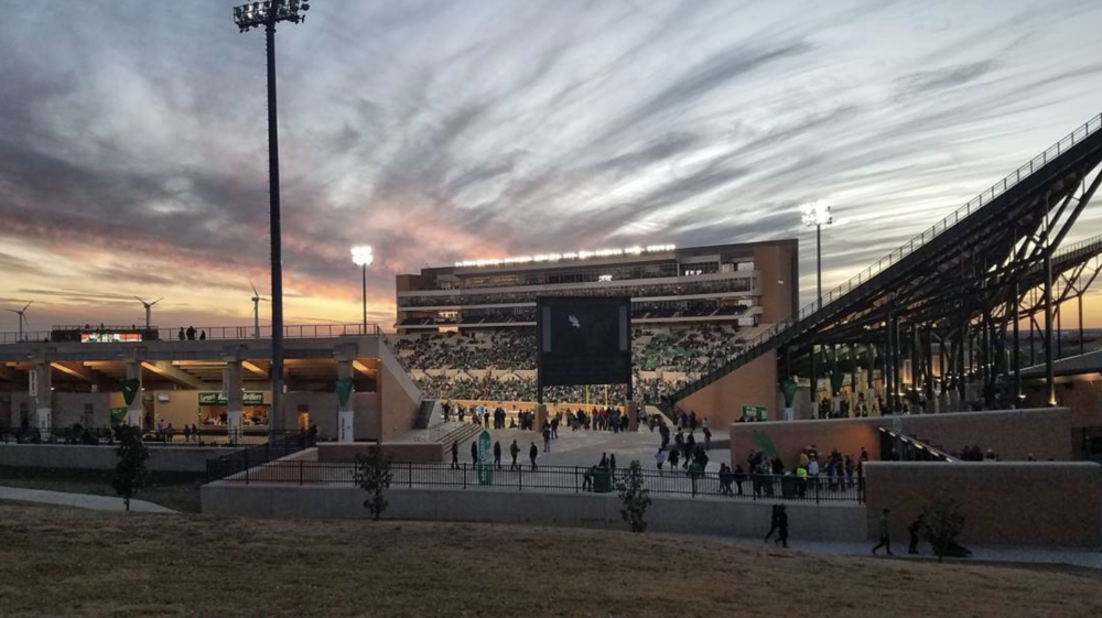 @smiles_911 at UNT vs Army where UNT eked out a victory. Have a great week, everyone!