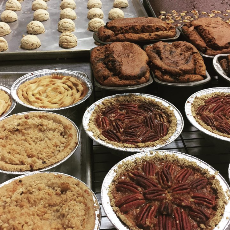 @juicelabdentontx has all of the Thanksgiving desserts you could ever possibly want!