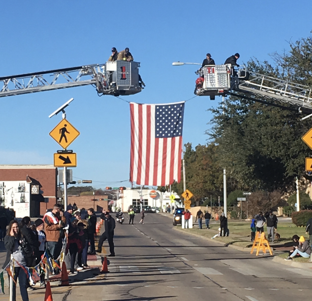 Denton Fire Dept. helping out at last week's Turkey Trot. Photo by @dentonarearc.