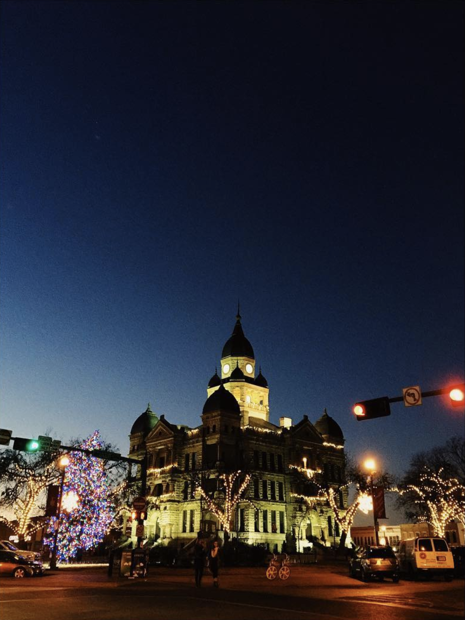 @andrewbwelchphoto with a shot of the square at Christmastime.