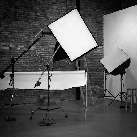 LIGHTING & STUDIO -