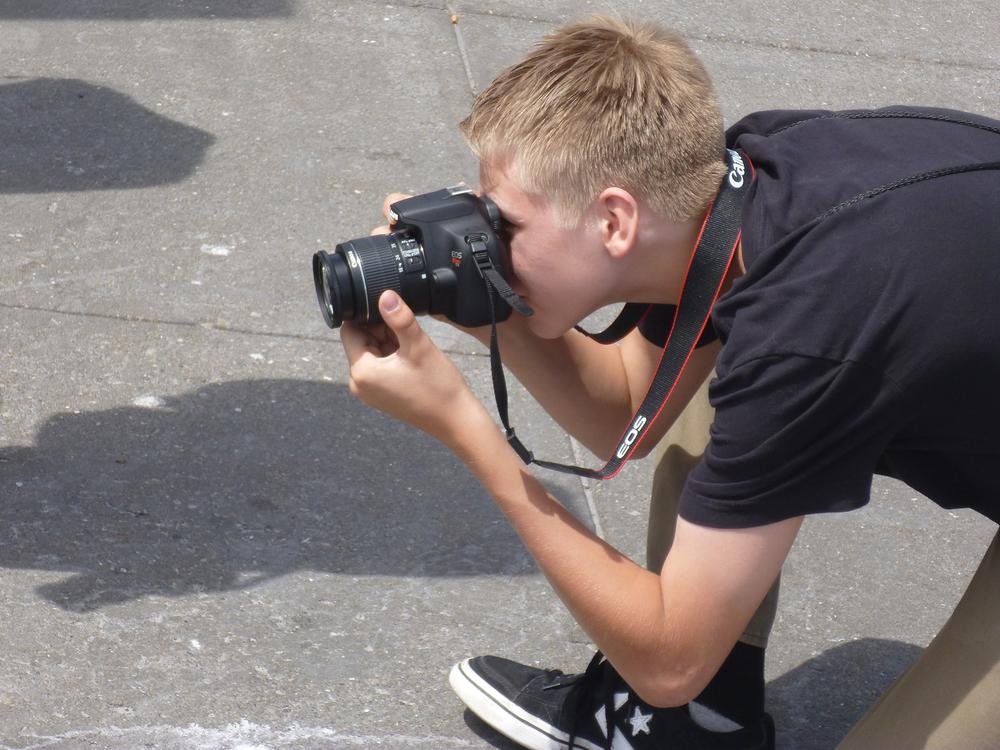 kids photographing_2.jpg