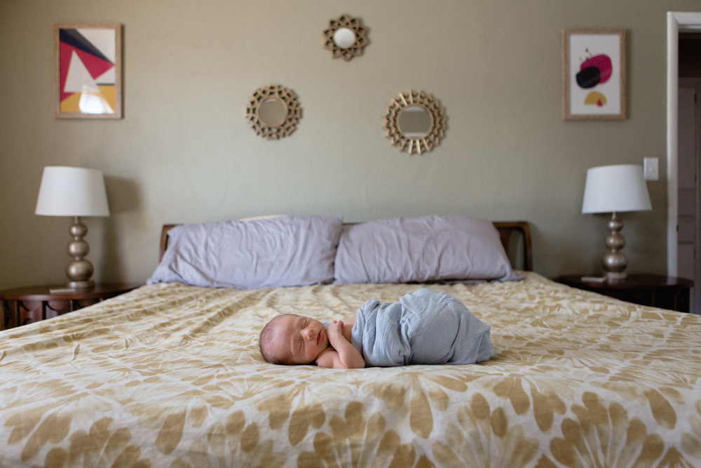 Newborn_Sleepy_Bed_OklahomaCity_Swaddled_In_Home.JPG