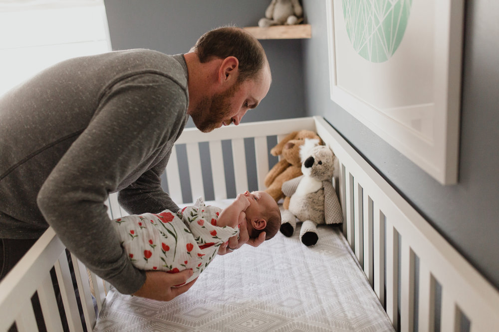 Dad_Lifestyle_Photographer_Nursery_Gender_Neutral_Swaddles.JPG