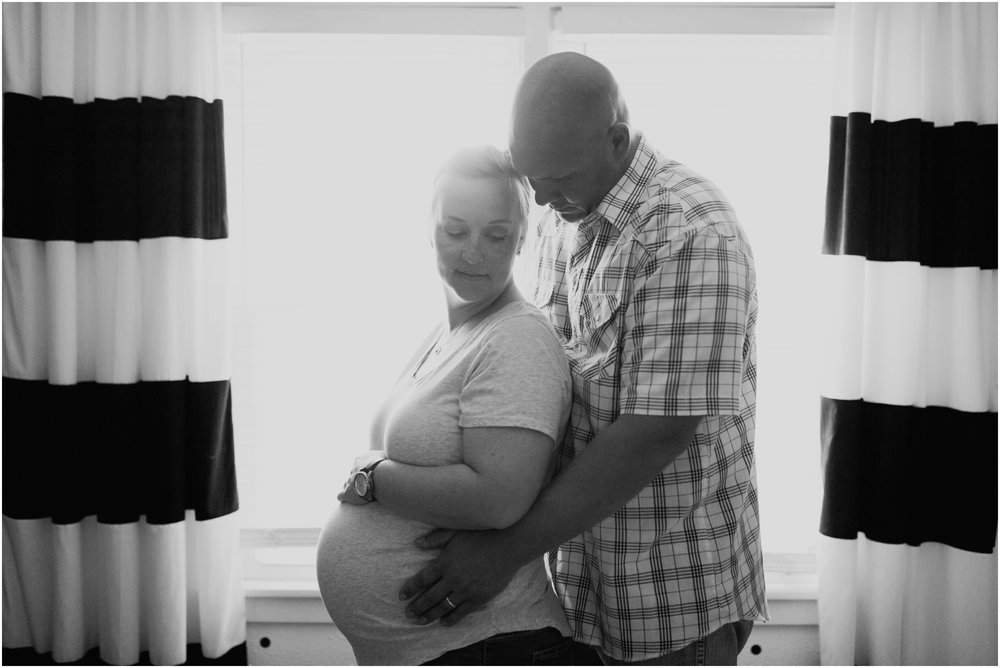 in_home_maternity_photographer_Moore_lifestyle_pregnancy
