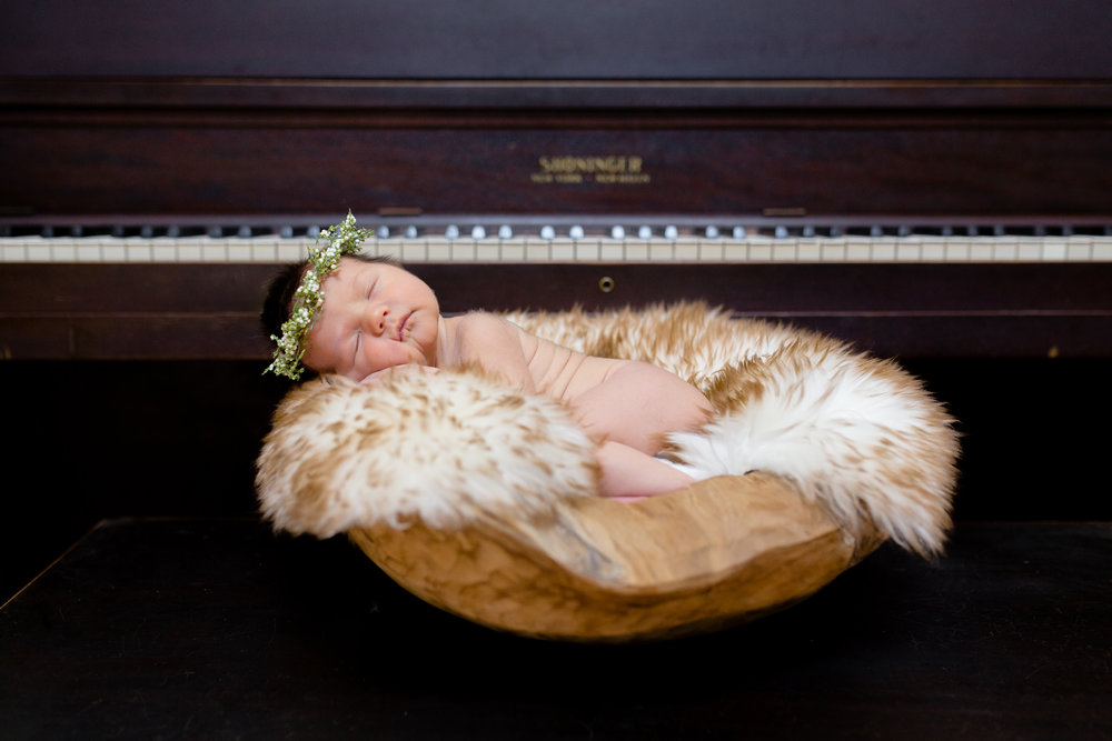 unique_newborn_photography_piano_in_home_lifestyle_OKC.JPG