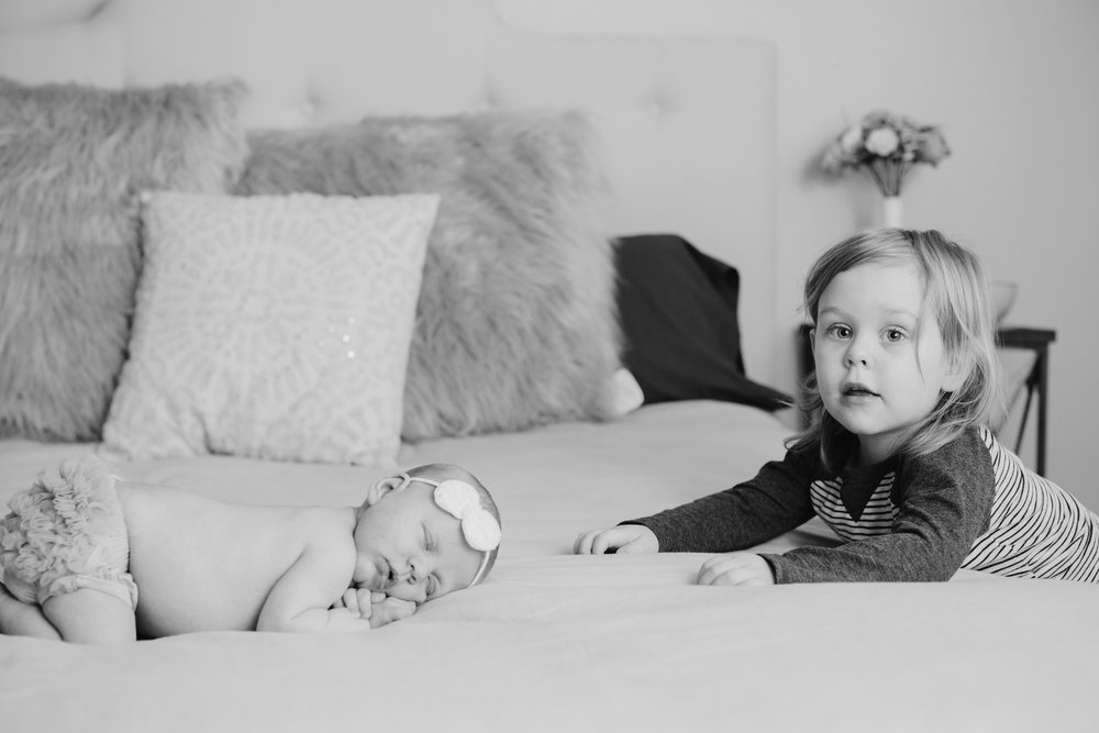 brother_sister_photography_newborn_Oklahoma_lifestyle.jpg