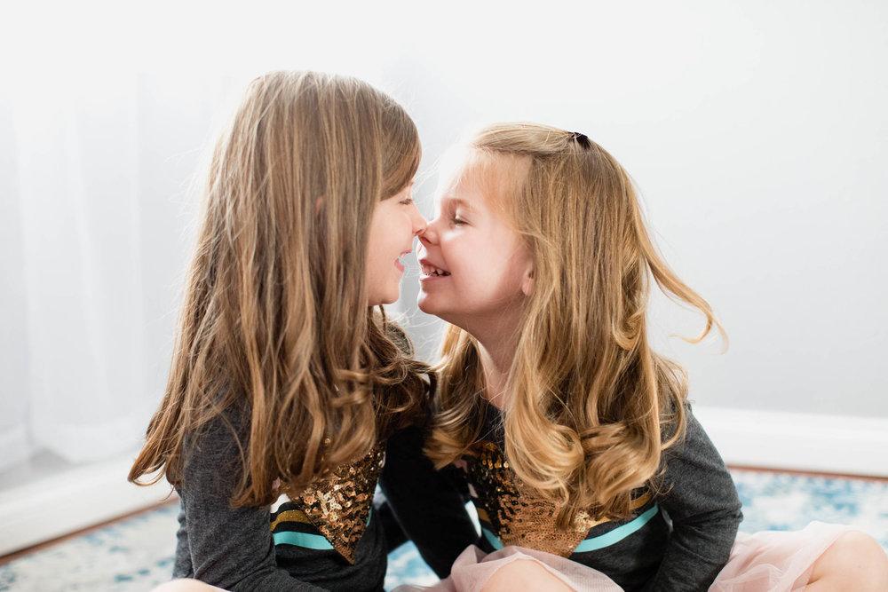 sisterlovefamilyphotosoklahomastudiophotographer