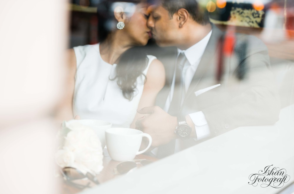 starbucks-couple-engagement-shoot