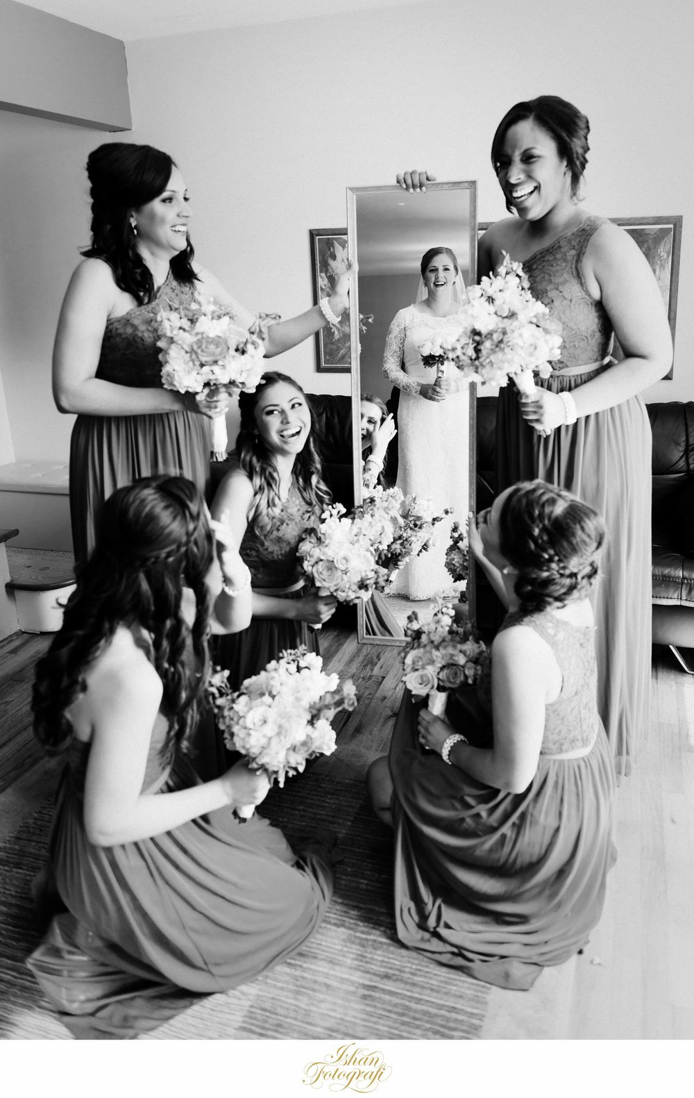 creative-bridal-party-pictures