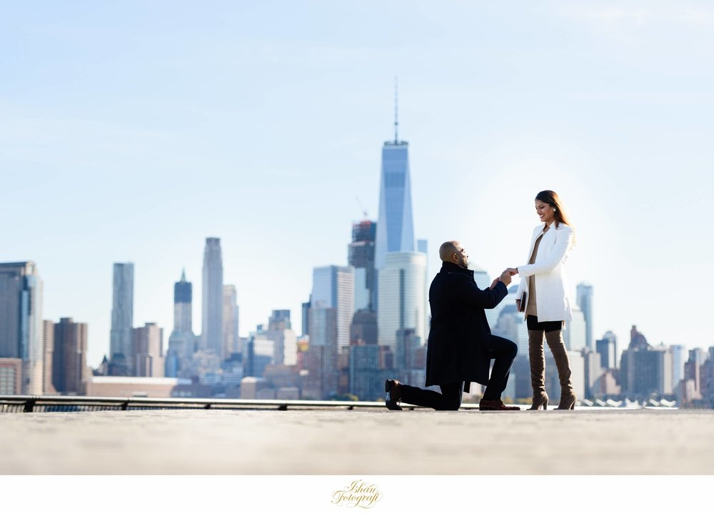 Depending upon the time of the day, Pier A park can get quite busy but the scenic NYC skyline makes up for it. For NJ wedding photographers, Hoboken provides a variety of scenarios to work with.