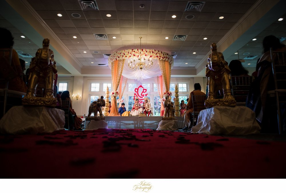 wedding-ceremony-forsgate-country-club