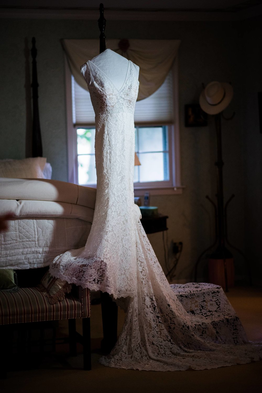 bride-prep-the-ryland-inn-wedding