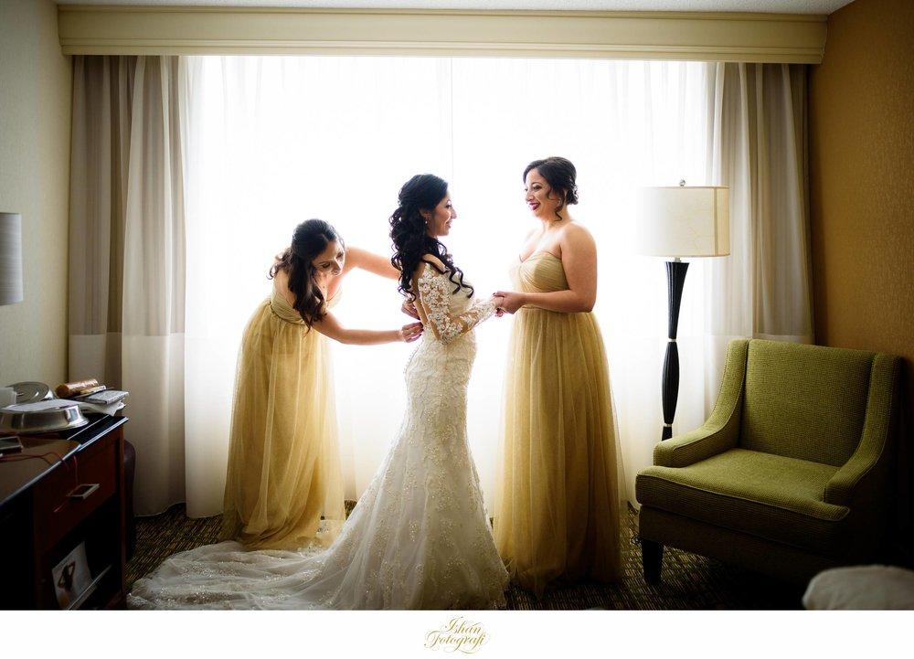 bride-getting-ready-hanover-marriott