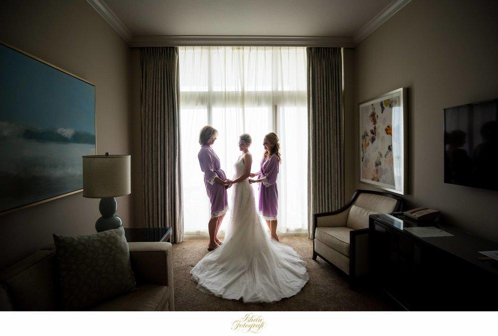 bride-getting-ready-marco-beach-ocean-resort