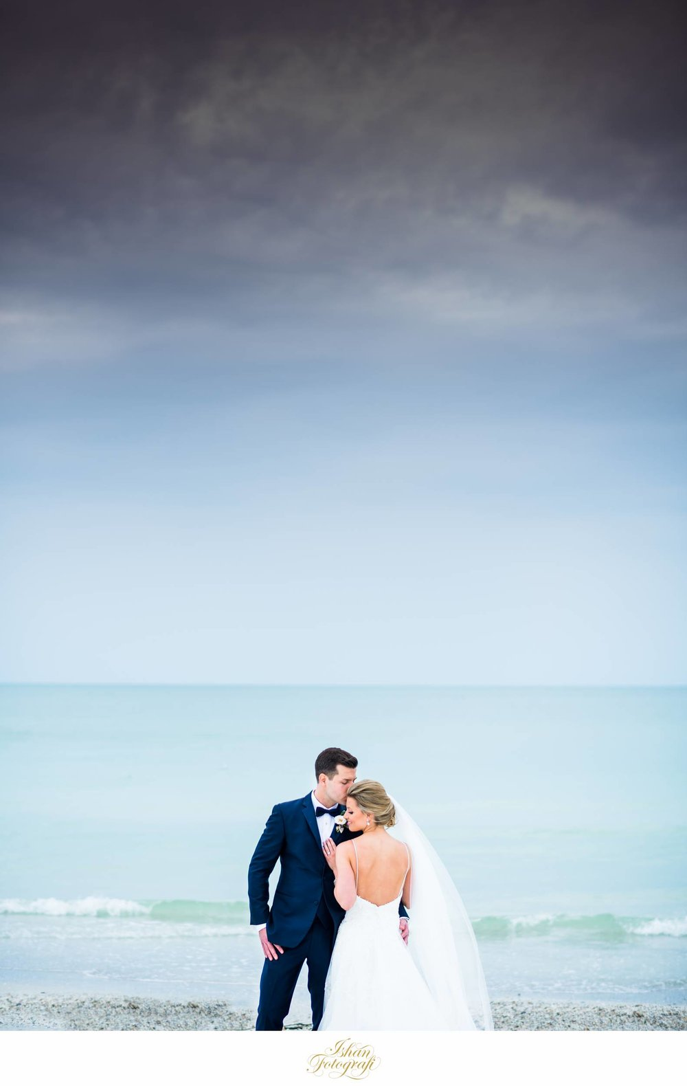 beach-wedding-photos-marco-beach-ocean-resort