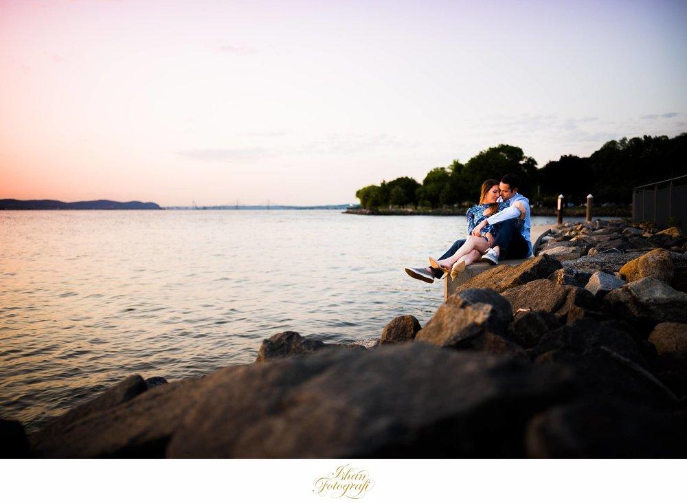 white-plains-engagement-photographer