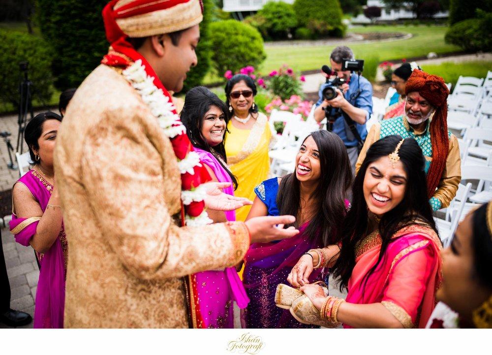 documentary-style-indian-wedding-photographers-CT