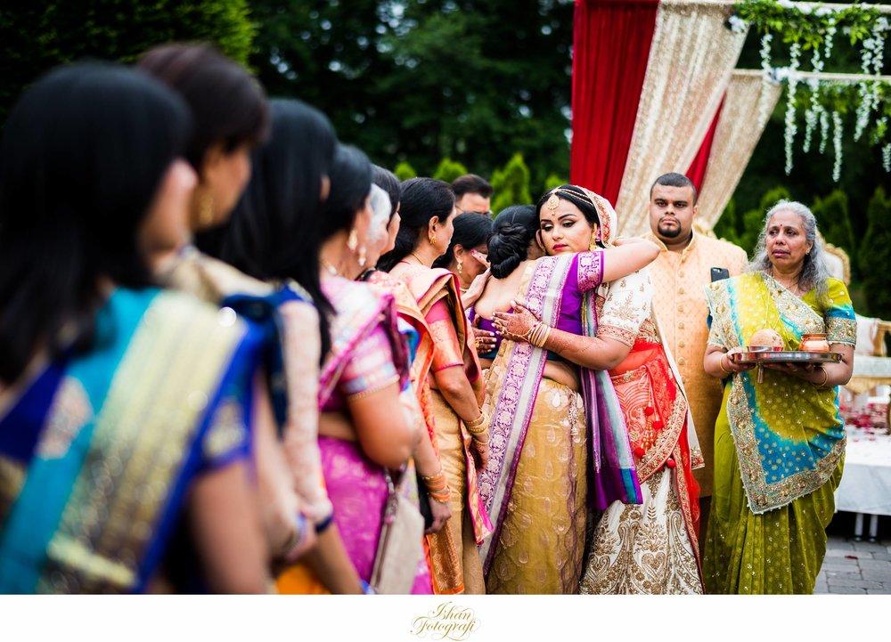 photo-journalistic-wedding-photographers-CT