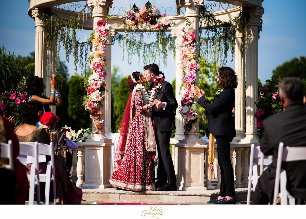 outdoor-wedding-ceremony-the-marigold-photos