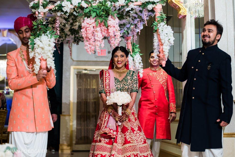 indoor-wedding-ceremony-leonard's-palazzo-great-neck-ny