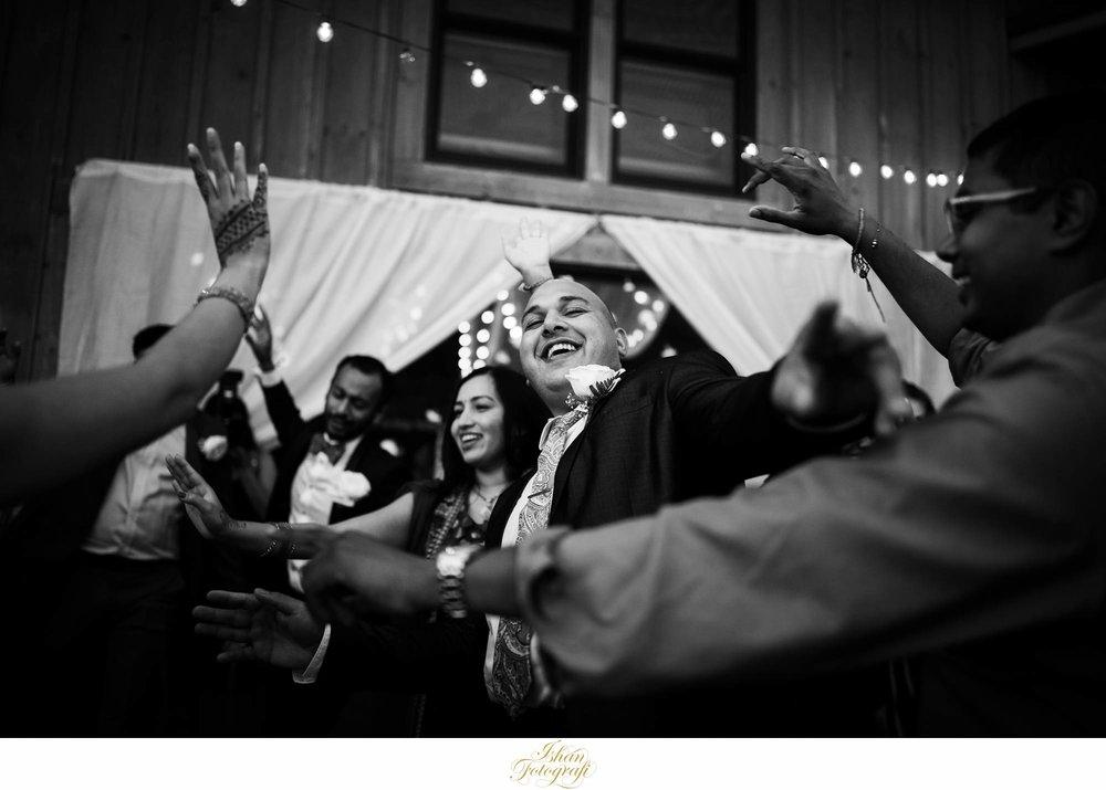 Claxton-farm-wedding-reception-photos