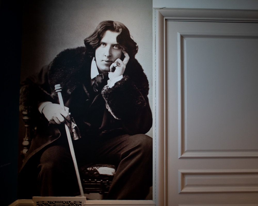 Oscar Wilde portrait at the Rosecliff special exhibition  Bohemian Beauty: The Aesthetic Movement and Oscar Wilde's Newport