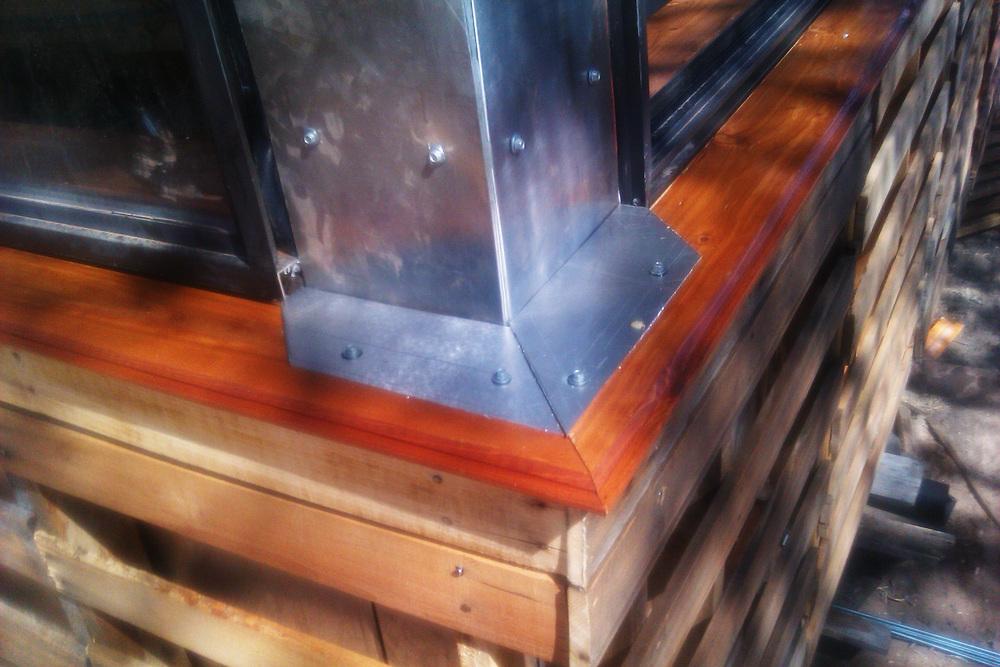Corner Window detail