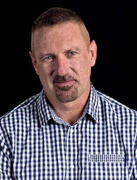 Garry Stewart, Direktor Australian Dance Theatre vergibt das Tanja Liedtke Scholarship