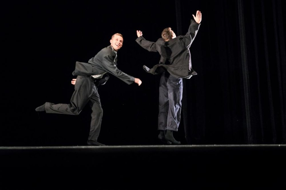 Delattre Dance Company Preis & Bundesjugendballett Produktionspreis & Publikumspreis - What goes up, Connor Scott bklein.jpg