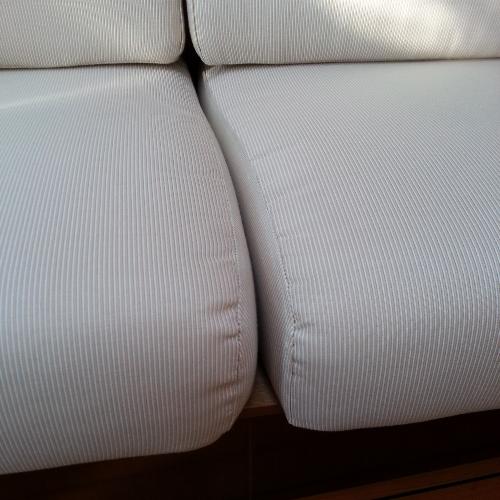 Port settee seats don't meet.