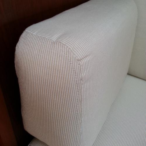 Port settee arm, nice stitching minus the puckering.