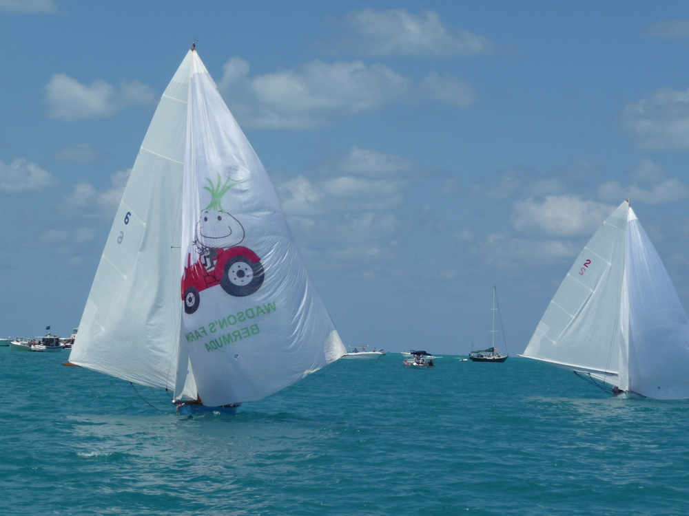 Challenger II leading for a win with the Bermuda onion spinnaker.
