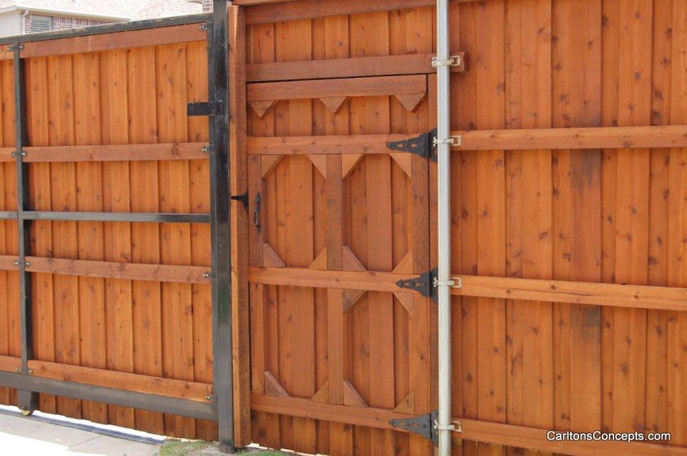 Fence_Gate_Construction_028.JPG