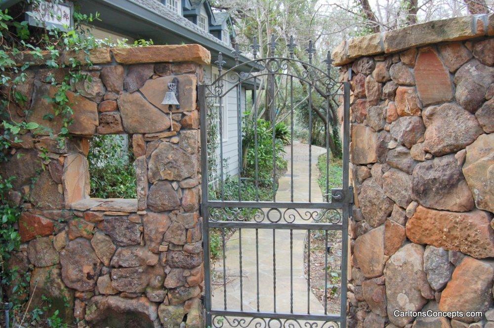 Fence_Gate_Construction_037.JPG