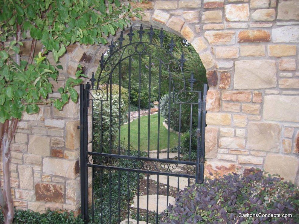 Fence_Gate_Construction_034.JPG