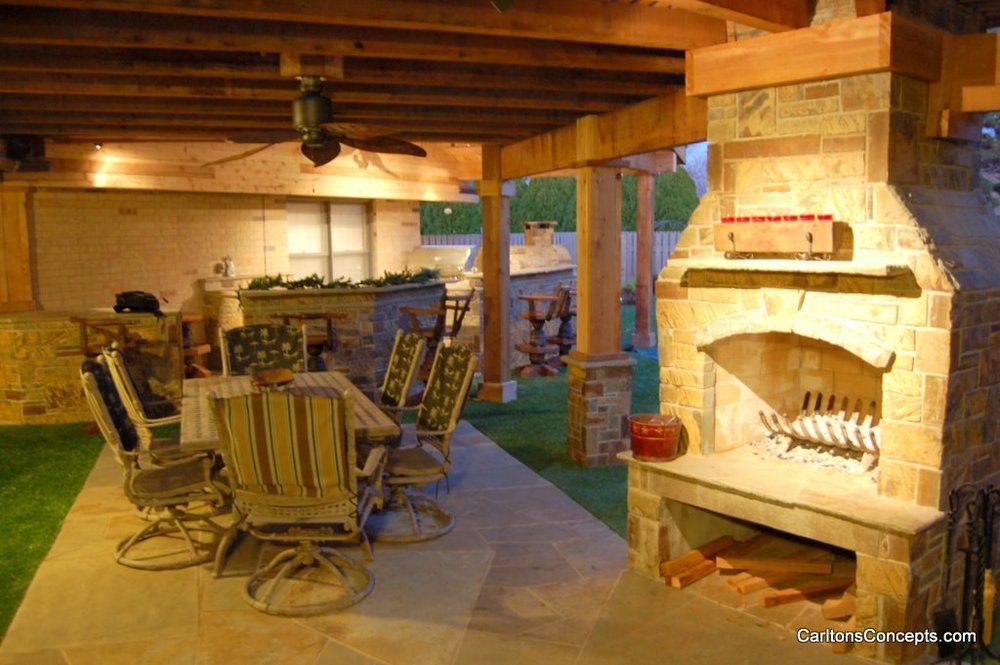 Outdoor_Fireplace_Construction_018.jpg