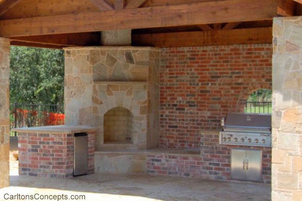 Outdoor_Fireplace_Construction_013.jpg