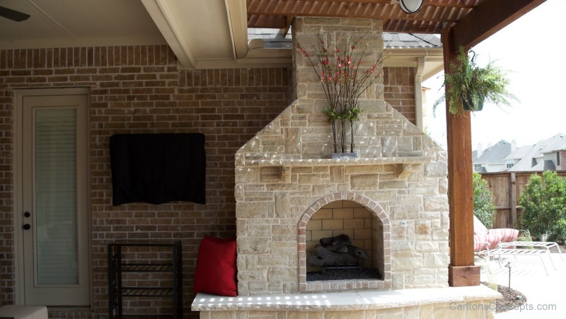 Outdoor_Fireplace_Construction_008.jpg